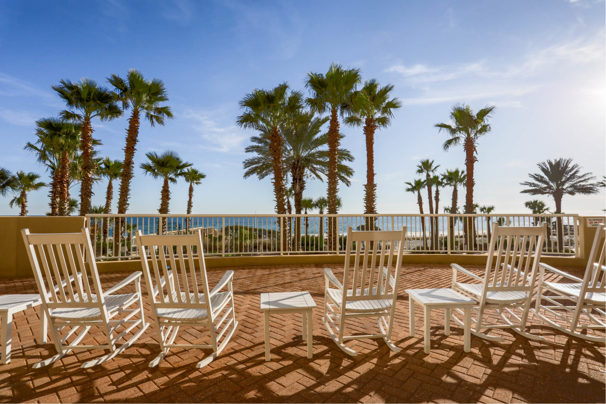 Gulf Shores condos overlooking white sand beaches and gulf of mexico